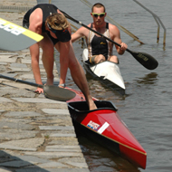 Silke Harenberg change into the kayak