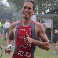 Trotz Unwetter hat Stefan Teichert Spaß beim Hydrathlon