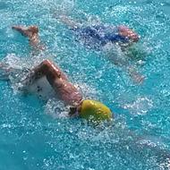 Stefan und Lisa Teichert: beim Schwimmen vorne weg