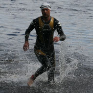 David Kunderer als Zweiter aus dem Wasser